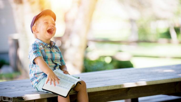 ¿Cuántos idiomas debería aprender mi hijo? Tres recursos web para crianza multilingüe