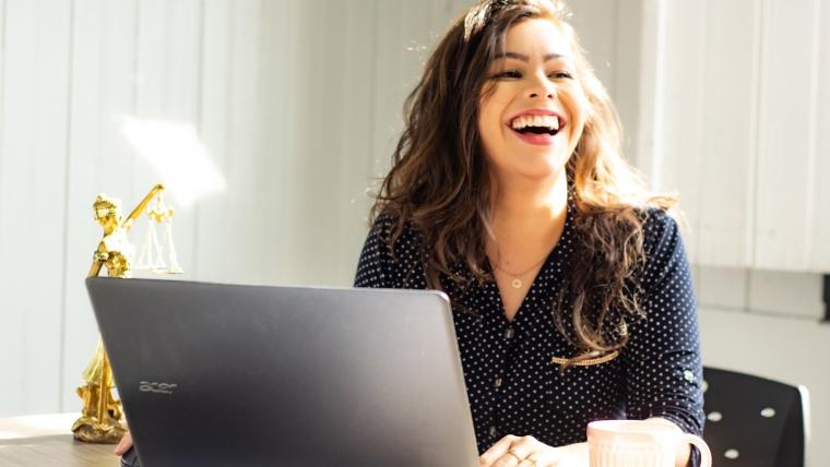 Cuáles son los beneficios de contratar a un traductor jurado